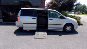 Used Wheelchair Van For Sale: 2008 Dodge Caravan  Wheelchair Accessible Van For Sale with a BraunAbility - Entervan - Manual on it. VIN: 1D8HN44H28B169739