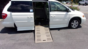 Used Wheelchair Van For Sale: 2005 Dodge Caravan  Wheelchair Accessible Van For Sale with a BraunAbility - Dodge Entervan II on it. VIN: 2D4GP44L76R886261