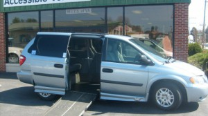 Used Wheelchair Van For Sale: 2005 Dodge Caravan  Wheelchair Accessible Van For Sale with a AMS - Dodge Legend Side Entry on it. VIN: 1D4GP24R25B278217