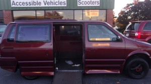 Used Wheelchair Van For Sale: 1993 Dodge Caravan  Wheelchair Accessible Van For Sale with a IMS - Dodge and Chrysler on it. VIN: 1B4GH44R0PX679015