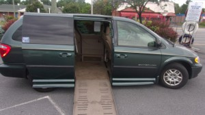 Used Wheelchair Van For Sale: 2002 Dodge Caravan  Wheelchair Accessible Van For Sale with a BraunAbility - Dodge Entervan II on it. VIN: 2B4GP44352R640913