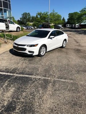 Used Wheelchair Van For Sale: 2018 Chevrolet Malibu LT Wheelchair Accessible Van For Sale with a  on it. VIN: 1G1ZD5ST1JF152361