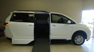 Used Wheelchair Van For Sale: 2017 Toyota Sienna Limited Premium 7-Passenger  Wheelchair Accessible Van For Sale with a VMI - Toyota NorthstarAccess360 on it. VIN: 5TDYZ3DC9HS773671