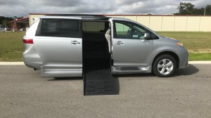 New Wheelchair Van For Sale: 2019 Toyota Sienna LE Wheelchair Accessible Van For Sale with a  on it. VIN: 5TDKZ3DC9KS979991