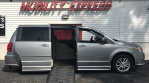 Used Wheelchair Van For Sale: 2014 Dodge Caravan  Wheelchair Accessible Van For Sale with a BraunAbility - Dodge CompanionVan on it. VIN: 2C4RDGCG0ER121492