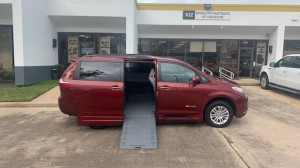 Used Wheelchair Van For Sale: 2016 Toyota Sienna XLE Wheelchair Accessible Van For Sale with a BraunAbility - Toyota Rampvan Xi on it. VIN: 5TDYK3DC9GS761538