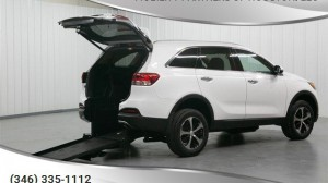 Used Wheelchair Van For Sale: 2017 Kia Sorento  Wheelchair Accessible Van For Sale with a Freedom Motors - Freedom Motors Kia Sorento on it. VIN: 5XYPH4A53HG316250