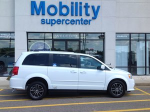 Used Wheelchair Van For Sale: 2017 Dodge Grand Caravan SXT Wheelchair Accessible Van For Sale with a VMI on it. VIN: 2C4RDGCGXHR731761