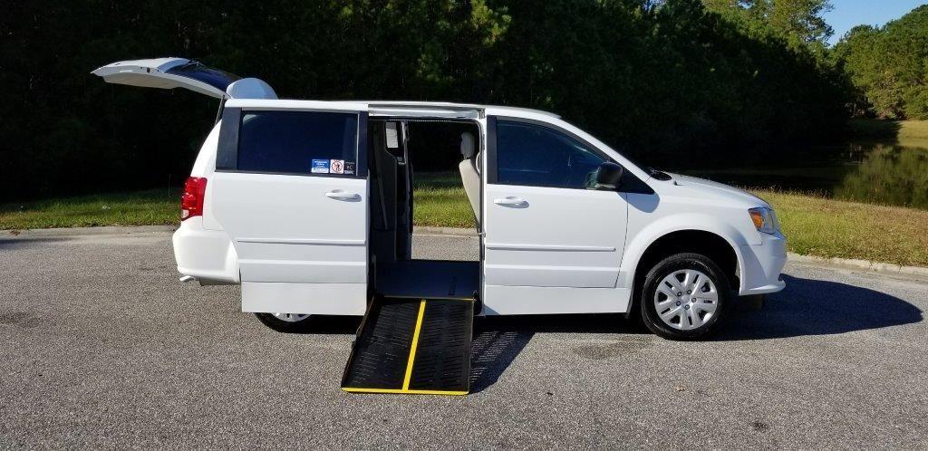 d27c2eaa33ac New Wheelchair Van For Sale  2017 Dodge Grand Caravan Wheelchair Accessible  Van For Sale with