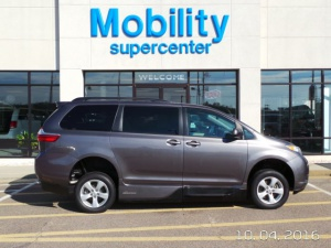 Used Wheelchair Van For Sale: 2015 Toyota Sienna LE Wheelchair Accessible Van For Sale with a  on it. VIN: 5TDKK3DC0FS617946