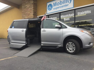 Used Wheelchair Van For Sale: 2016 Toyota Sienna XLE Wheelchair Accessible Van For Sale with a  on it. VIN: 5TDYK3DC6GS704259