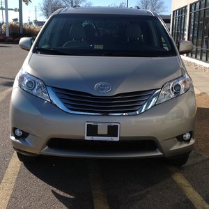 Used Wheelchair Van For Sale: 2017 Toyota Sienna XLE Wheelchair Accessible Van For Sale with a VMI on it. VIN: 5TDYZ3DCXHS884293