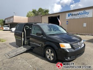 Used Wheelchair Van For Sale: 2009 Dodge Grand Caravan S Wheelchair Accessible Van For Sale with a BraunAbility Dodge Entervan II on it. VIN: 2D8HN54X09R668426