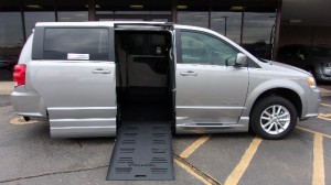 Used Wheelchair Van For Sale: 2018 Dodge Caravan  Wheelchair Accessible Van For Sale with a BraunAbility - Dodge Entervan XT on it. VIN: 2C4RDGCG7JR266507