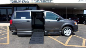 Used Wheelchair Van For Sale: 2018 Dodge Caravan  Wheelchair Accessible Van For Sale with a BraunAbility - Dodge Entervan XT on it. VIN: 2C4RDGCG7JR223317