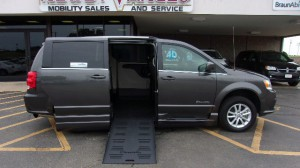 Used Wheelchair Van For Sale: 2018 Dodge Caravan  Wheelchair Accessible Van For Sale with a BraunAbility - Dodge Entervan XT on it. VIN: 2C4RDGCG7JR28360