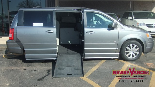 2009 Chrysler Town Country Wheelchair Van For Sale