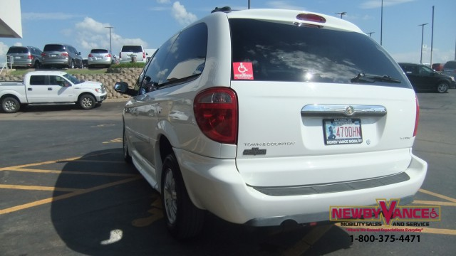 2005 Chrysler Town Country Wheelchair Van For Sale
