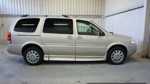 Used Wheelchair Van For Sale: 2007 Buick Terazza  Wheelchair Accessible Van For Sale with a Non Branded - Wheelchair Lift & Tiedowns on it. VIN: 4GLDV13147D163152