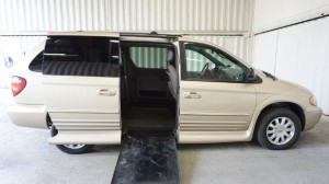 Used Wheelchair Van For Sale: 2001 Chrysler Town & Country LX Wheelchair Accessible Van For Sale with a Non Branded - Please See Description on it. VIN: 2C8GP54L21R359884