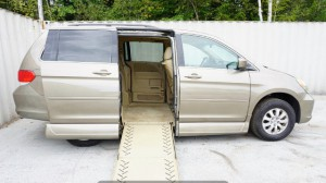 Used Wheelchair Van For Sale: 2009 Honda Odysey Exl  Wheelchair Accessible Van For Sale with a Non Branded - Please See Description on it. VIN: 5FNRL38669B053325