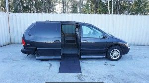 Used Wheelchair Van For Sale: 2000 Chrysler Town & Country Limited Wheelchair Accessible Van For Sale with a Non Branded - Please See Description on it. VIN: 1C4GP64L5YB520079
