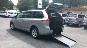 Used Wheelchair Van For Sale: 2014 Toyota Sienna LE 7-Passenger Mobility  Wheelchair Accessible Van For Sale with a  on it. VIN: 5TDKK3DC4ES500224