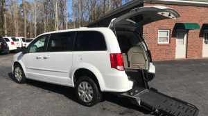 Used Wheelchair Van For Sale: 2016 Dodge Caravan  Wheelchair Accessible Van For Sale with a  on it. VIN: 2C4RDGBG6GR139886