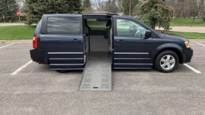 Used Wheelchair Van For Sale: 2009 Dodge Caravan  Wheelchair Accessible Van For Sale with a BraunAbility - Dodge Entervan II on it. VIN: 2D8HN54189R583183