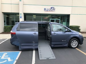 Used Wheelchair Van For Sale: 2016 Toyota Sienna S Wheelchair Accessible Van For Sale with a BraunAbility Xi Infloor Conversion on it. VIN: 5TDYK3DC1GS760254