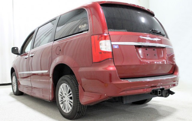 2013 chrysler t c touringl wheelchair van for sale rollx 11 inch drop floor conversion with in. Black Bedroom Furniture Sets. Home Design Ideas