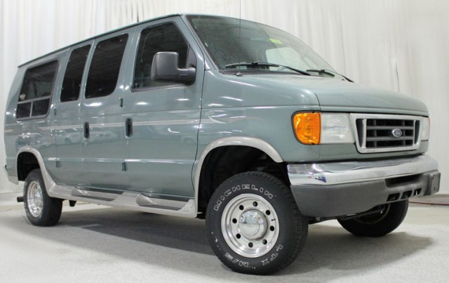 2006 ford e 250 wheelchair van for sale rollx full cut. Black Bedroom Furniture Sets. Home Design Ideas