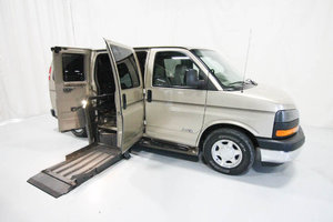 Used Wheelchair Van For Sale: 2006 GMC Savana S Wheelchair Accessible Van For Sale with a  on it. VIN: 51649A