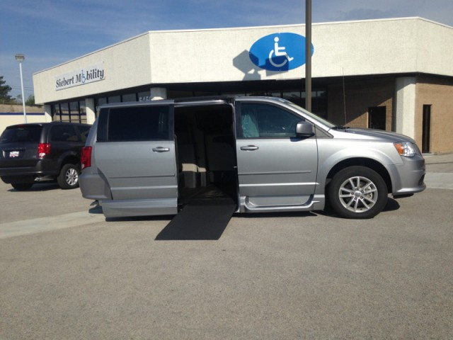 2015 dodge grand caravan sxt wheelchair van for sale vmi northstar infloor vin. Black Bedroom Furniture Sets. Home Design Ideas