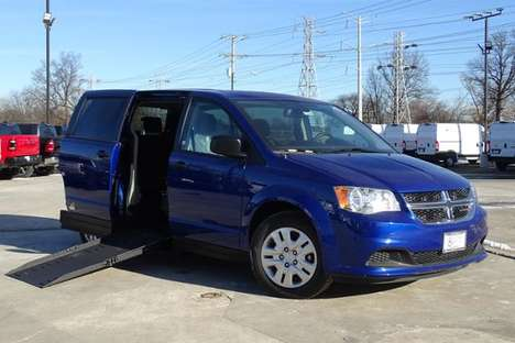 New Wheelchair Van For Sale: 2020 Dodge Grand Caravan SE Wheelchair Accessible Van For Sale with a SE Wagon on it. VIN: 2C4RDGBG2LR247349