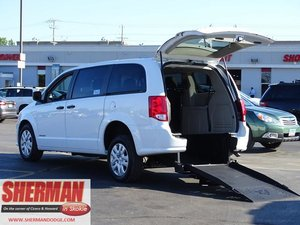 New Wheelchair Van For Sale: 2019 Dodge Grand Caravan SE Wheelchair Accessible Van For Sale with a SE Wagon on it. VIN: 2C4RDGBG6KR713735