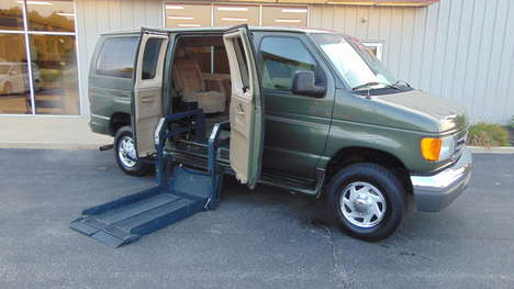Used Wheelchair Van For Sale: 2005 Ford Econoline XL Wheelchair Accessible Van For Sale with a  on it. VIN: 1FBNE31L05HB13056