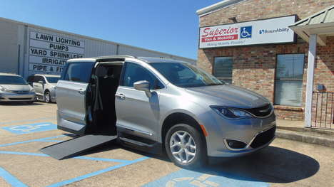 Used Wheelchair Van For Sale: 2017 Chrysler Pacifica Touring Wheelchair Accessible Van For Sale with a  on it. VIN: 2C4RC1BG5HR713153