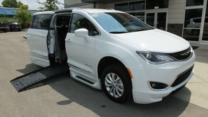 New Wheelchair Van For Sale: 2018 Chrysler Pacifica Touring Wheelchair Accessible Van For Sale with a BraunAbility BraunAbility Pacifica Foldout XT on it. VIN: 2C4RC1BG6JR111786