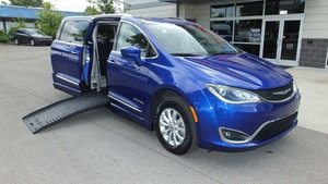 Used Wheelchair Van For Sale: 2019 Chrysler Pacifica Touring Wheelchair Accessible Van For Sale with a BraunAbility Chrysler Pacifica Foldout on it. VIN: 2C4RC1BG7KR561514