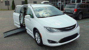Used Wheelchair Van For Sale: 2019 Chrysler Pacifica Touring Wheelchair Accessible Van For Sale with a BraunAbility Chrysler Pacifica Foldout on it. VIN: 2C4RC1BG9KR554404