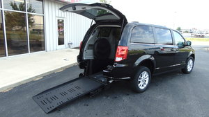 Used Wheelchair Van For Sale: 2018 Dodge Grand Caravan SXT Wheelchair Accessible Van For Sale with a BraunAbility Dodge Manual Rear Entry on it. VIN: 2C4RDGCG0JR206634