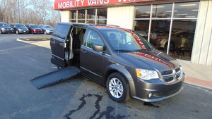 Used Wheelchair Van For Sale: 2018 Dodge Grand Caravan SXT Wheelchair Accessible Van For Sale with a VMI VMI Dodge APEX on it. VIN: 2C4RDGCG4JR238583
