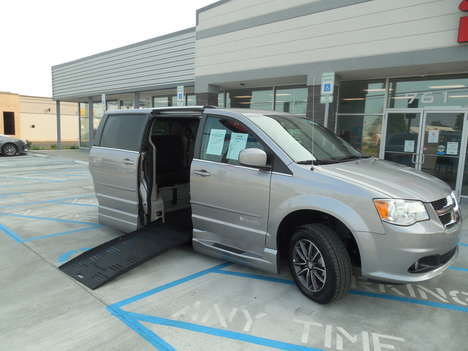Used Wheelchair Van For Sale: 2017 Dodge Grand Caravan SXT Wheelchair Accessible Van For Sale with a  on it. VIN: 2C4RDGCG8HR761860