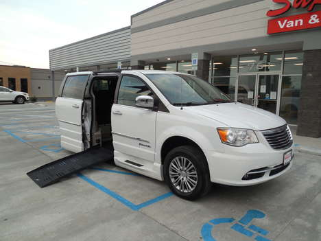 Used Wheelchair Van For Sale: 2014 Chrysler Town & Country Touring Wheelchair Accessible Van For Sale with a  on it. VIN: 2C7WC1CGXER336318