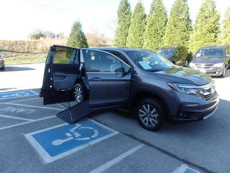 Used Wheelchair Van For Sale: 2019 Honda Pilot EX-L Wheelchair Accessible Van For Sale with a  on it. VIN: 5FNYF5H59KB000761