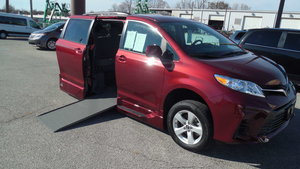 Used Wheelchair Van For Sale: 2018 Toyota Sienna L Wheelchair Accessible Van For Sale with a VMI Toyota NorthstarAccess360 on it. VIN: 5TDKZ3DC7JS935230