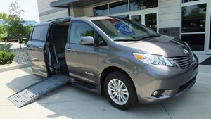 Used Wheelchair Van For Sale: 2015 Toyota Sienna XLE Wheelchair Accessible Van For Sale with a BraunAbility Toyota Rampvan XT on it. VIN: 5TDYK3DC6FS539392