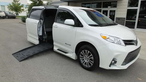 Used Wheelchair Van For Sale: 2020 Toyota Sienna LE Wheelchair Accessible Van For Sale with a  on it. VIN: 5TDYZ3DC4LS031591