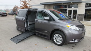 Used Wheelchair Van For Sale: 2017 Toyota Sienna XLE Wheelchair Accessible Van For Sale with a BraunAbility Toyota Rampvan XT on it. VIN: 5TDYZ3DC8HS825159